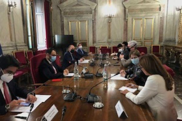ministro-da-agricultura-italia0DB97CB9-6A12-DC80-E4B3-E1DF1EEC7AAE.jpg