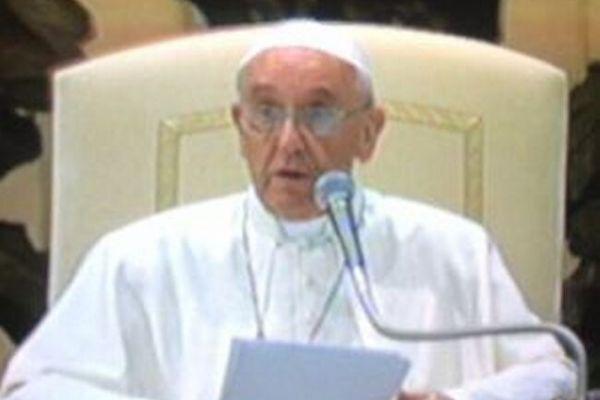 papa-francesco-roma-discorsoFFAC3671-D4CE-066A-7ADA-4C31E30EF8CC.jpg